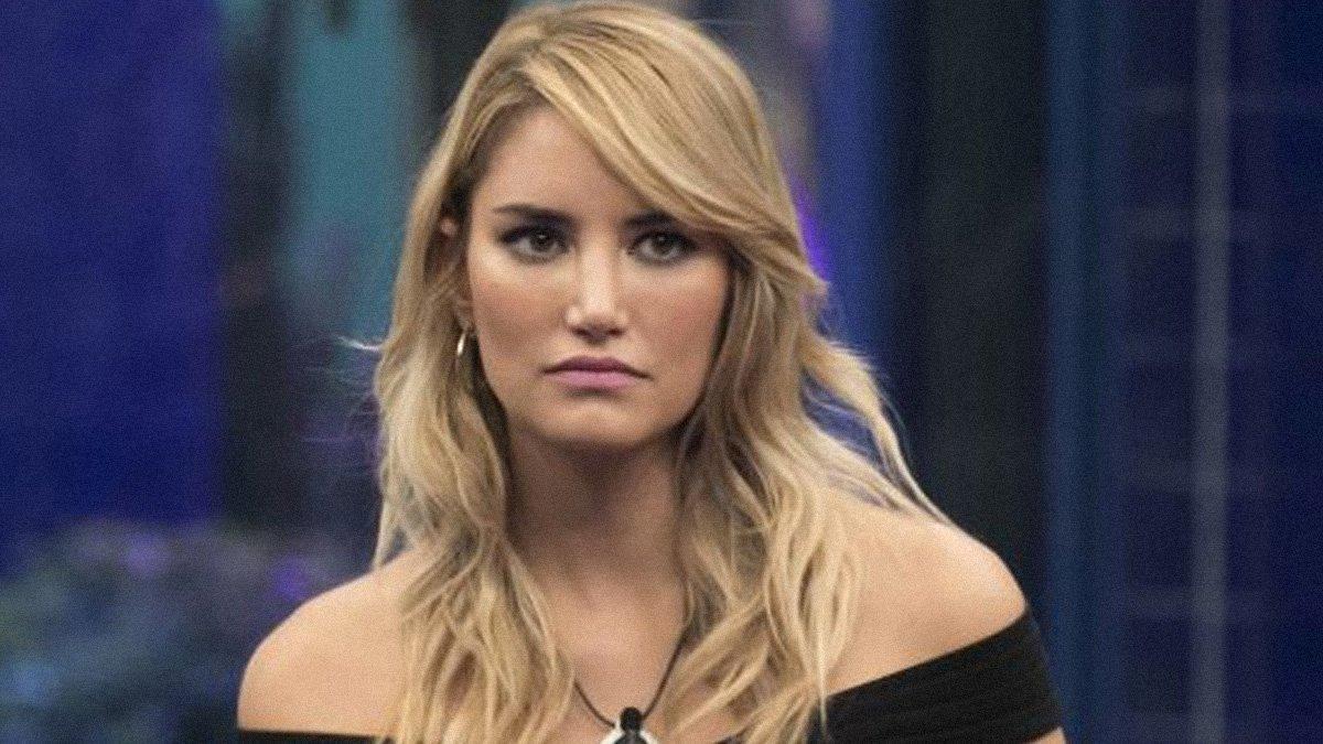 Duro golpe para Alba Carrillo tras 'GH VIP': muere su perrita Lanas