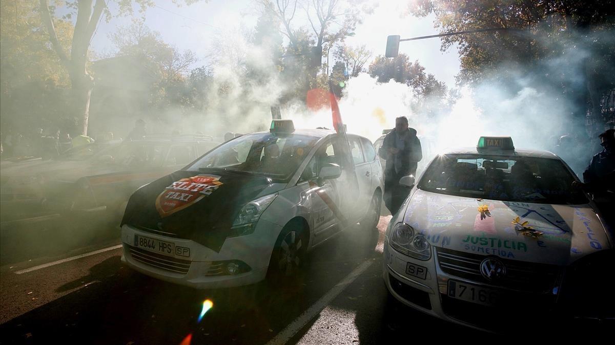 Un momento de la manifestación de taxistas celebrada en Madrid a finales de noviembre.