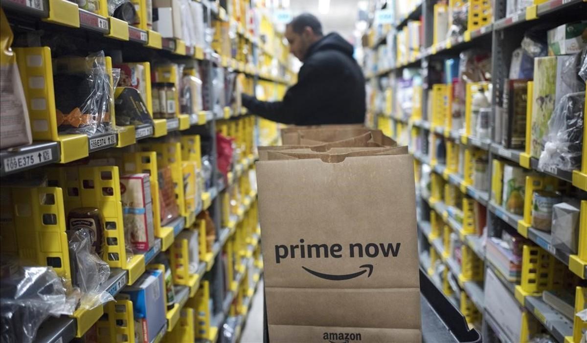 Preparación de un pedido de Amazon Prime Now.