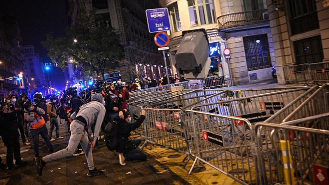 Cánticos en la manifestación en Barcelona