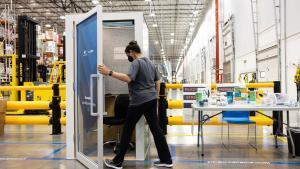 Indignació per AmaZen, les cabines de relaxació d'Amazon per a treballadors estressats
