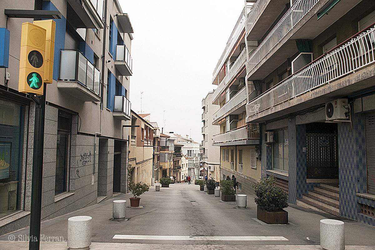 Vista de la calle Major de Parets desde la Av. de Lluís Companys