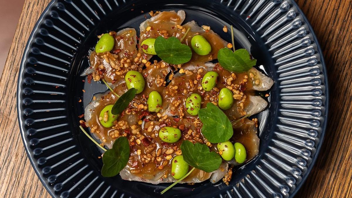 L'Arqueotapa de Casa Xica: 'Nare sushi' de corvina, fermentada en 'kasu-zuke'.