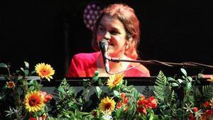 Amaia Romero, en su actuación en Cap Roig, el domingo.
