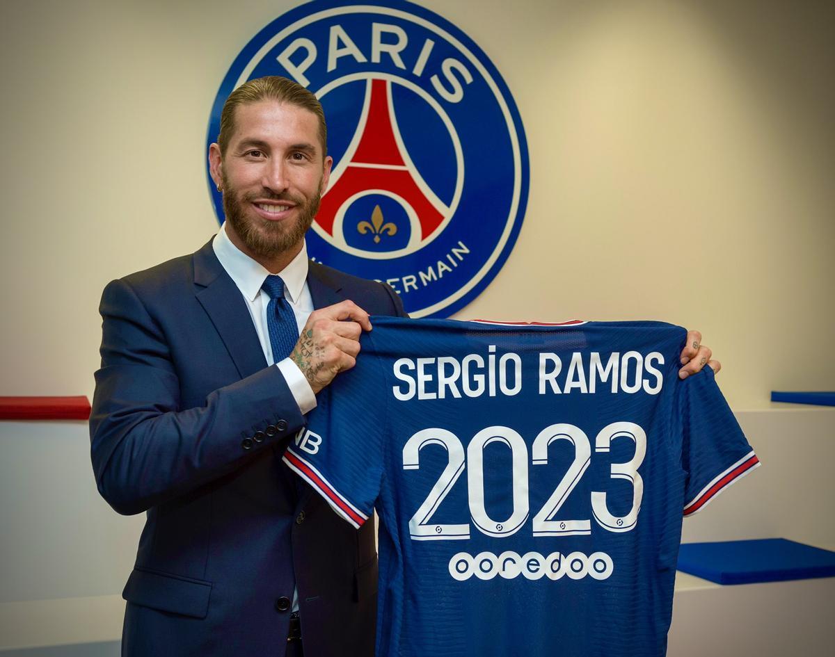 Sergio Ramos ja és oficialment nou jugador del PSG