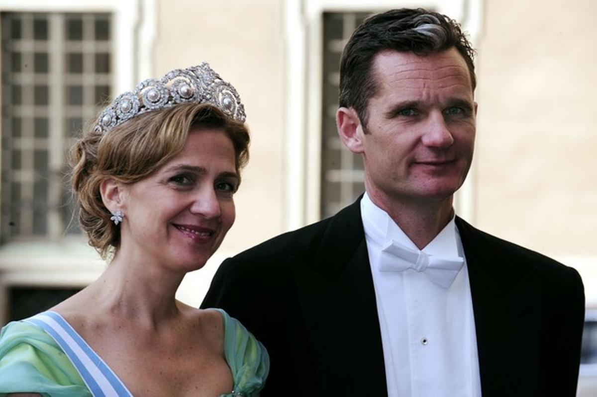 La infanta Cristina con su esposo, Iñaki Urdangarin, en Estocolmo, en junio del 2010.