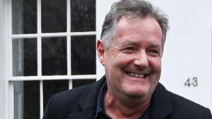El famoso presentador Piers Morgan ha dejado el programa 'Good Morning Britain' tras las quejas de los espectadores.