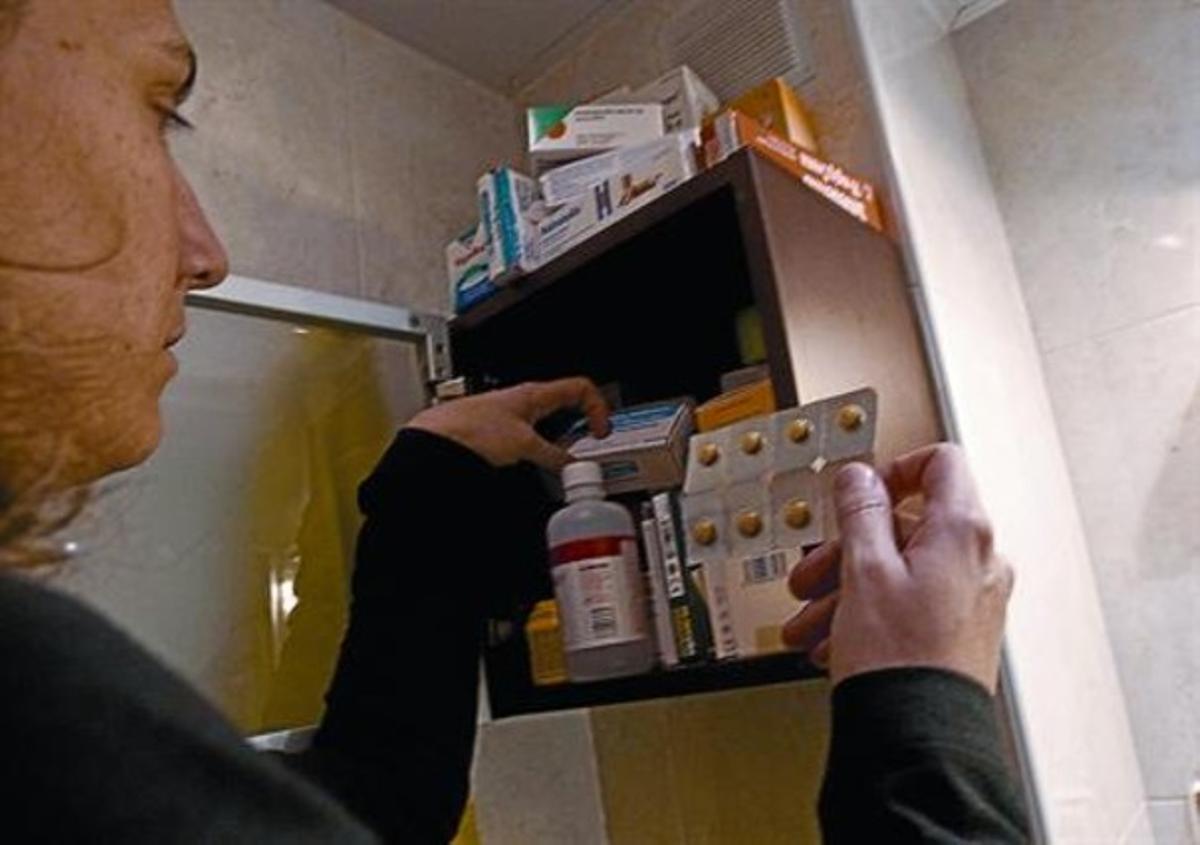 Un botiquín con medicamentos en un domicilio particular de Barcelona, ayer.