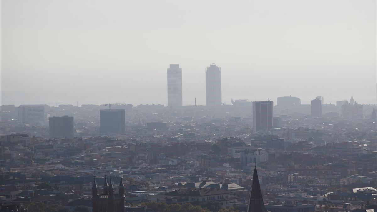 Episodio de contaminación sobre la ciudad de Barcelona, el pasado 23 de octubre.
