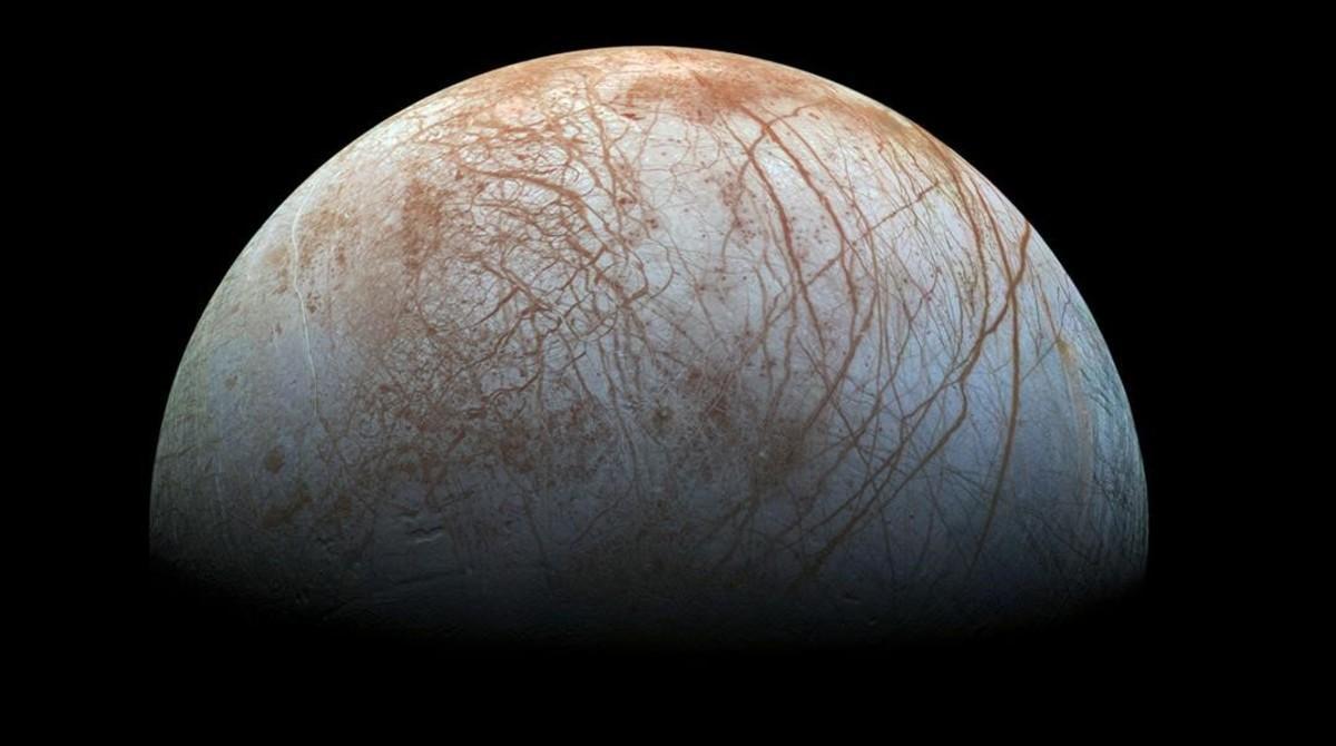 Vista de Europa, el cuarto mayor satélite de Júpiter.