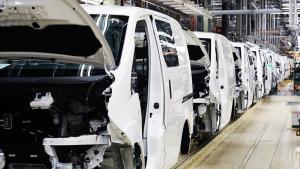 Línea de montaje en la planta de Nissan en la Zona Franca de Barcelona.
