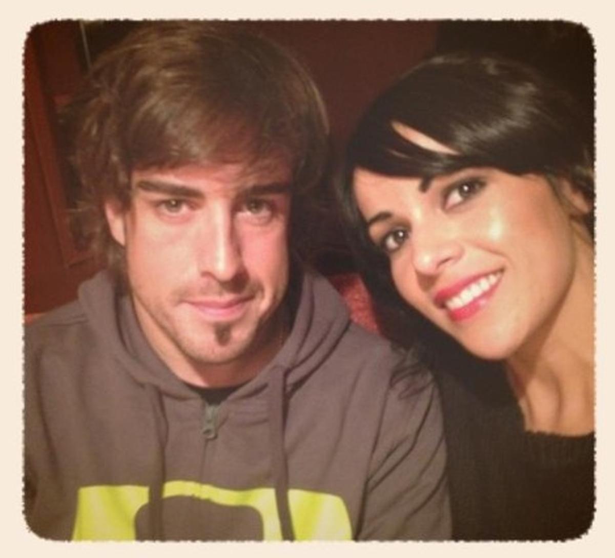 Fernando Alonso y Raquel del Rosario, en Twitter.