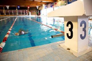 Reobre la piscina municipal de Parets després de la reparació de l'avaria en el sistema d'escalfament de l'aigua