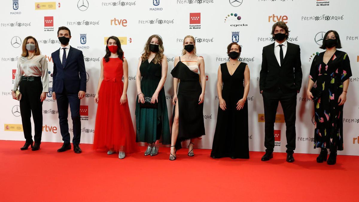 El equipo de 'Las niñas' a su llegada a Ifema en Madrid, donde se realizó la gala de los Forqué la noche del sábado.