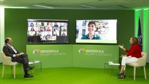 Irene Lozano, presidenta del Consejo Superior de Deportes,junto al presidente de IberdrolaIgnacio Galán, durante el encuentro virtual celebrado este jueves convarias deportistas españolas.