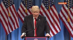 Alec Baldwin parodia a Trump