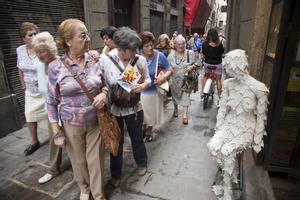 Turistas del Imserso por las calles de Barcelona.
