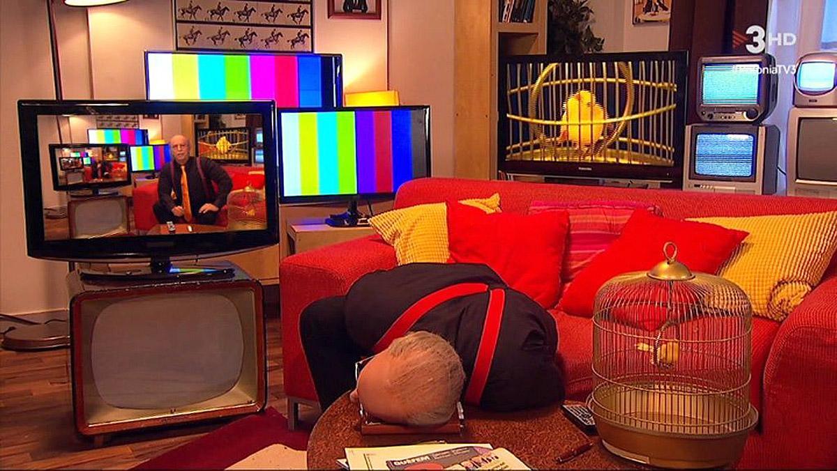 Jordi Rios escenificó la muerte del crítico en el 'Polònia' de TV-3.
