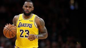 Lebron James, en un partido con los Lakers.