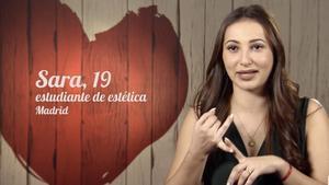 Una comensal de 'First dates' recorda en el programa la seva etapa més 'choni': «He sigut 'Sari la deessa' i 'Sarita en la teva vida'»
