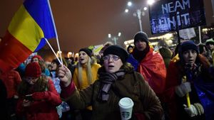 Rumanos se manifiestan contra la corrupción en Bucarest en febrero del 2017, cuando comenzó la oleada de protestas.