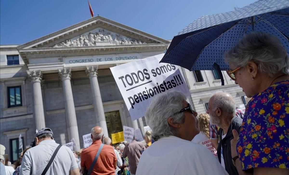 Les 10 línies de reforma de les pensions encallades en el Pacte de Toledo