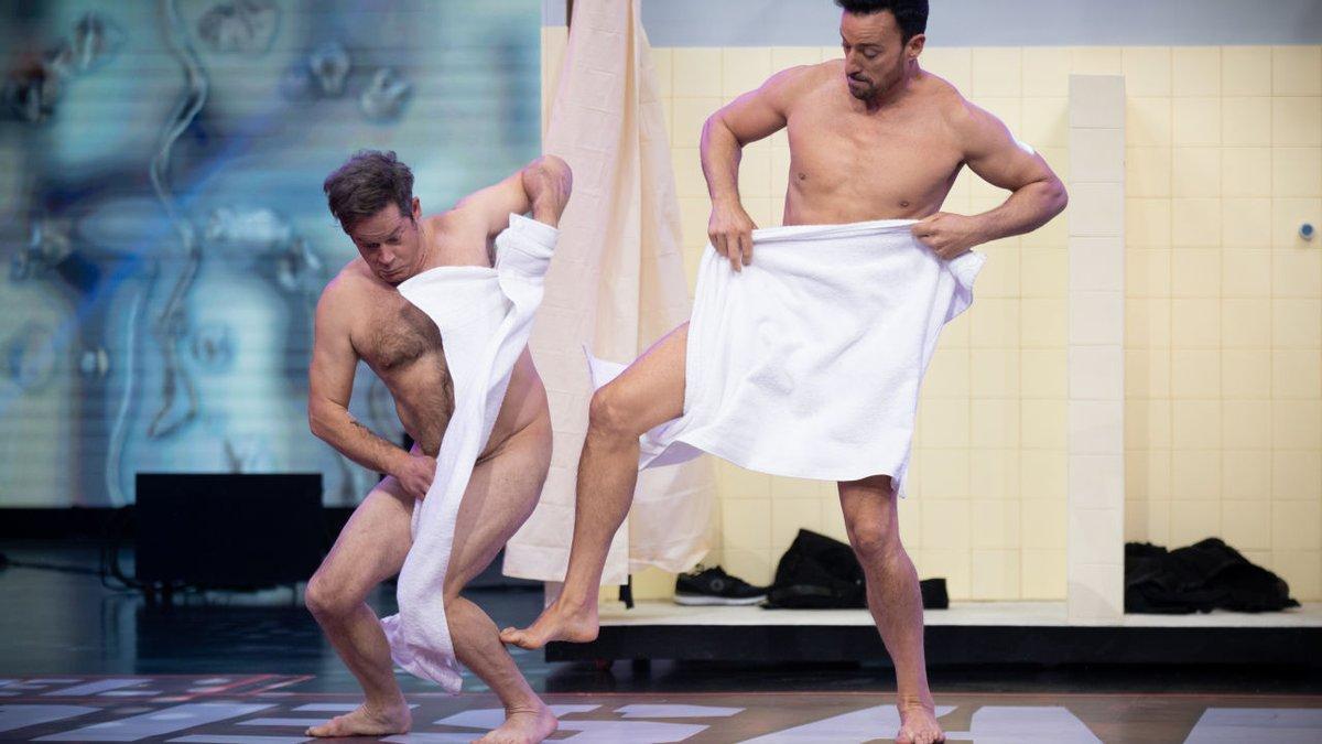 """VÍDEO   Pablo Puyol y Jorge Sanz hacen llorar de la risa en 'El Desafío' por su baile desnudos: """"Grotesco"""""""