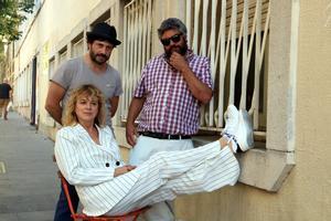 El director (derecha), con Gaizka Ugarte y Emma Suárez.