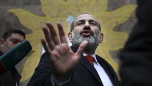 El primer ministre d'Armènia presenta la seva dimissió per forçar eleccions anticipades