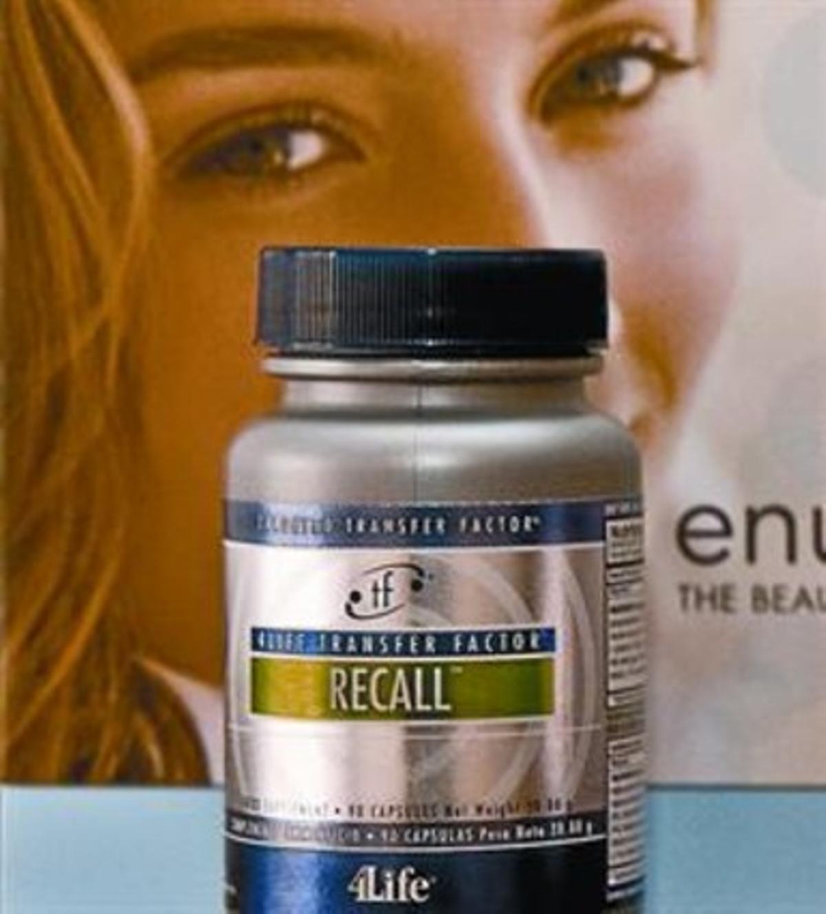 Un bote de pastillas Recall, de 4Life, prohibidas por Sanidad.