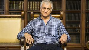 Hamza Yalçin, en una sala del Ateneu Barcelonès, el 19 de octubre.