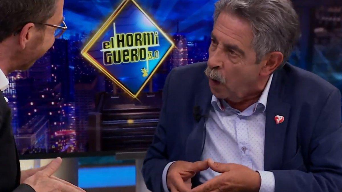 Miguel Ángel Revilla y su peculiar imitación de Glòria Serra en 'El hormiguero'