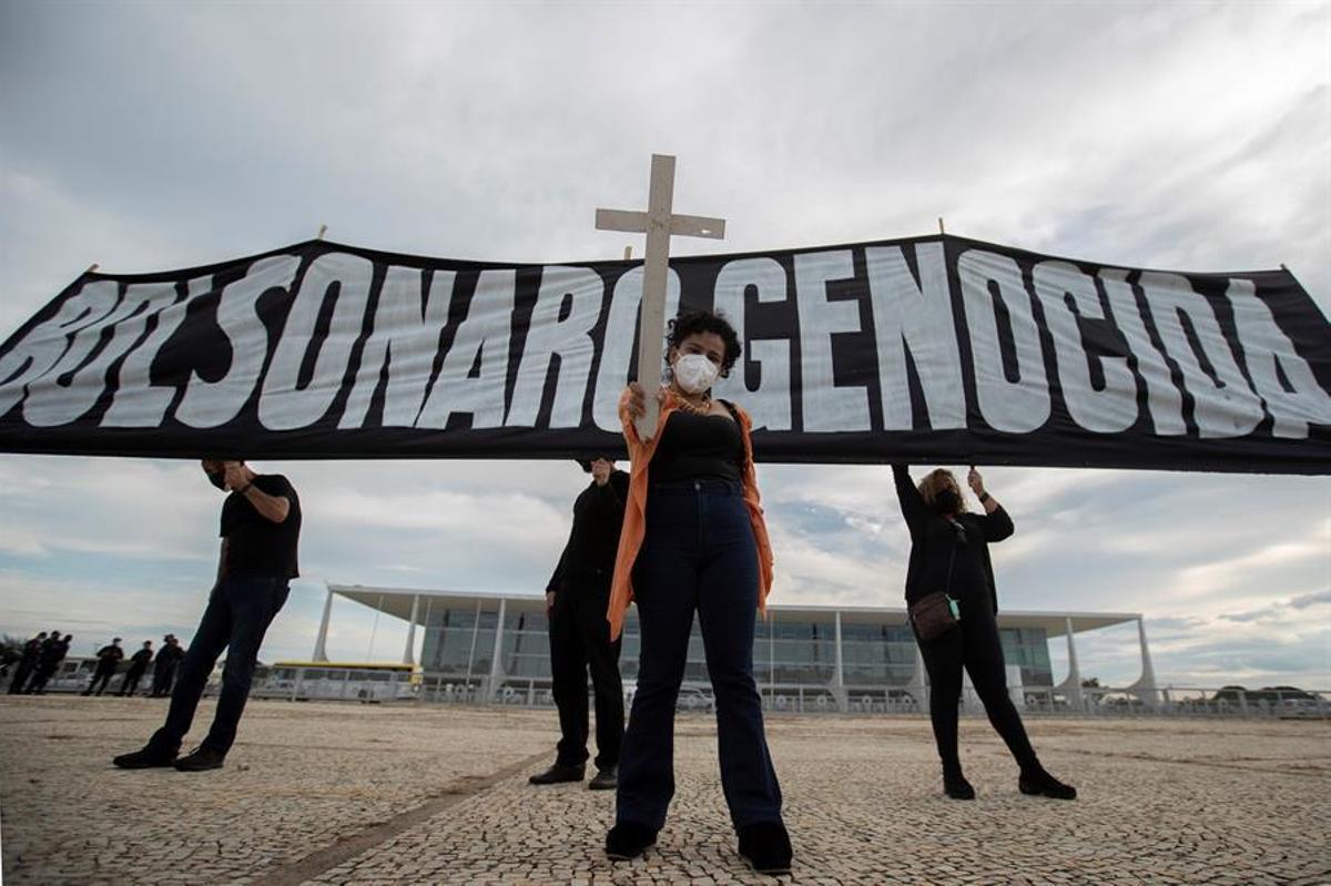 Protesta contra Jair Bolsonaro en el Palacio de Planalto este viernes en Brasilia.