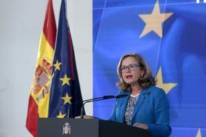 La vicepresidenta tercera del Gobierno, Nadia Calviño, durante la presentación del plan de recuperación, este 7 de octubre en la Moncloa.