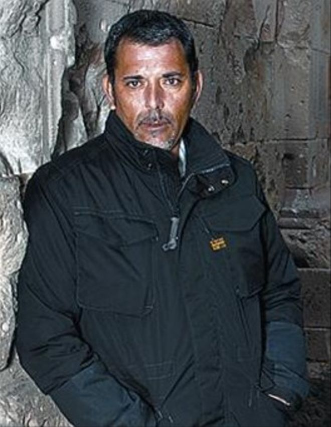 Víctor del Árbol.