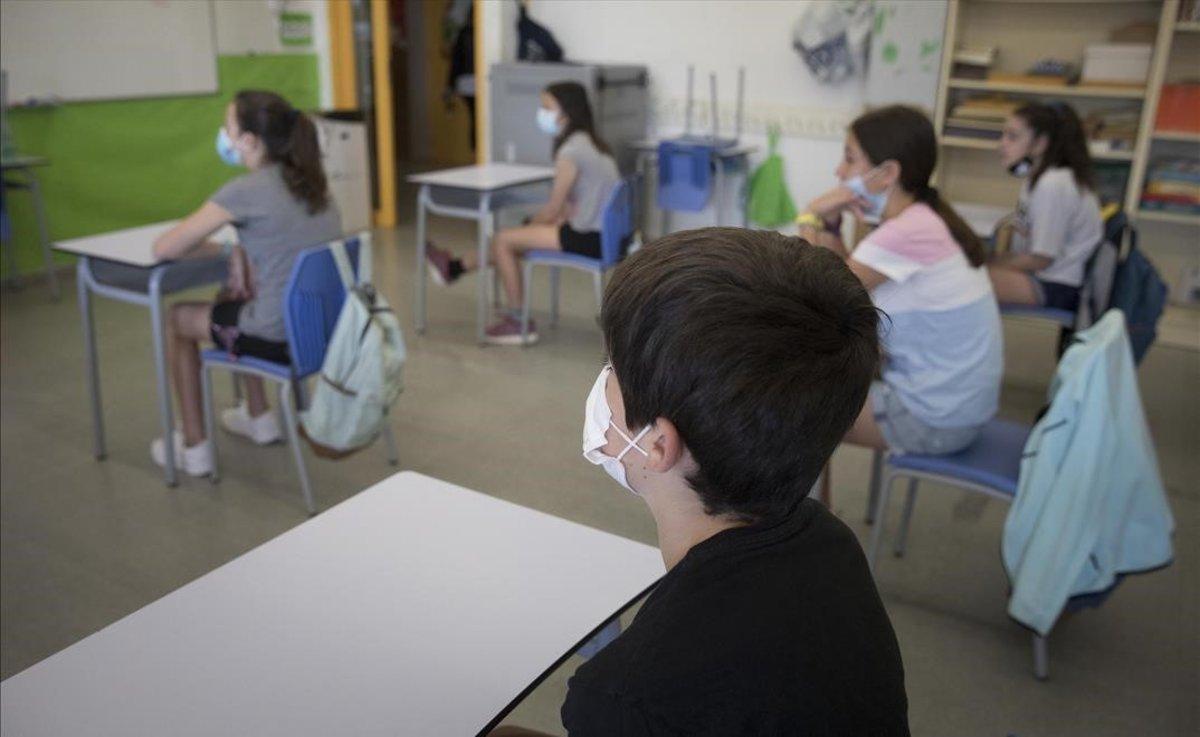 Les escoles catalanes tancaran quan hi hagi dos positius en grups diferents