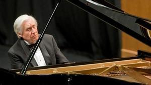 Joaquín Achúcarro, un clásico de Torroella, durante una actuación en Santander.