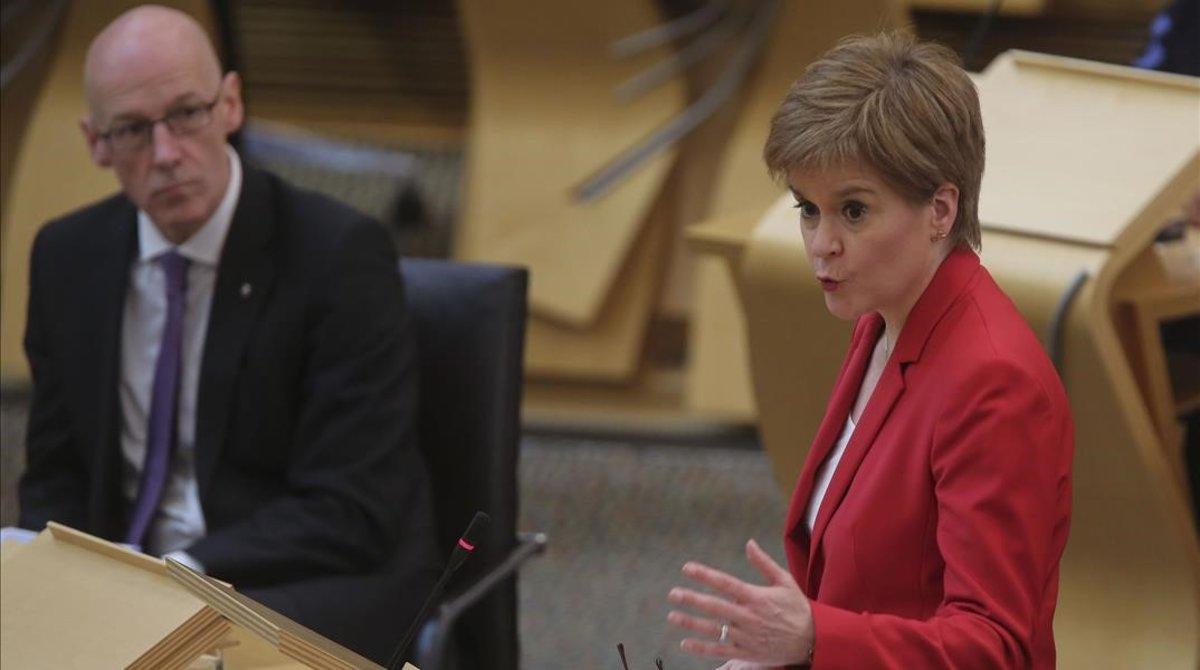 Nicola Sturgeon en una sesión del Parlamento escocés.