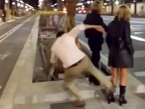 La brutal patada a una jovenen la avenida Diagonal de Barcelona.