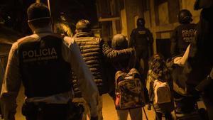 La família desnonada pels Mossos d'Esquadra podrà tornar a casa