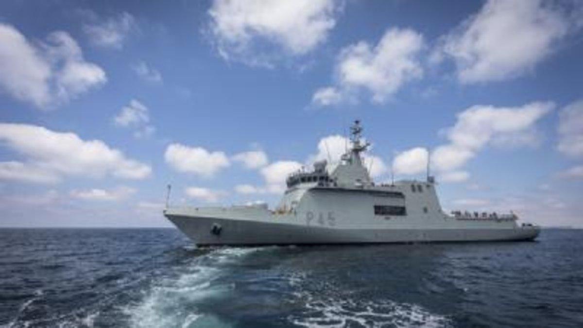 L''Audaz' arriba a Lampedusa