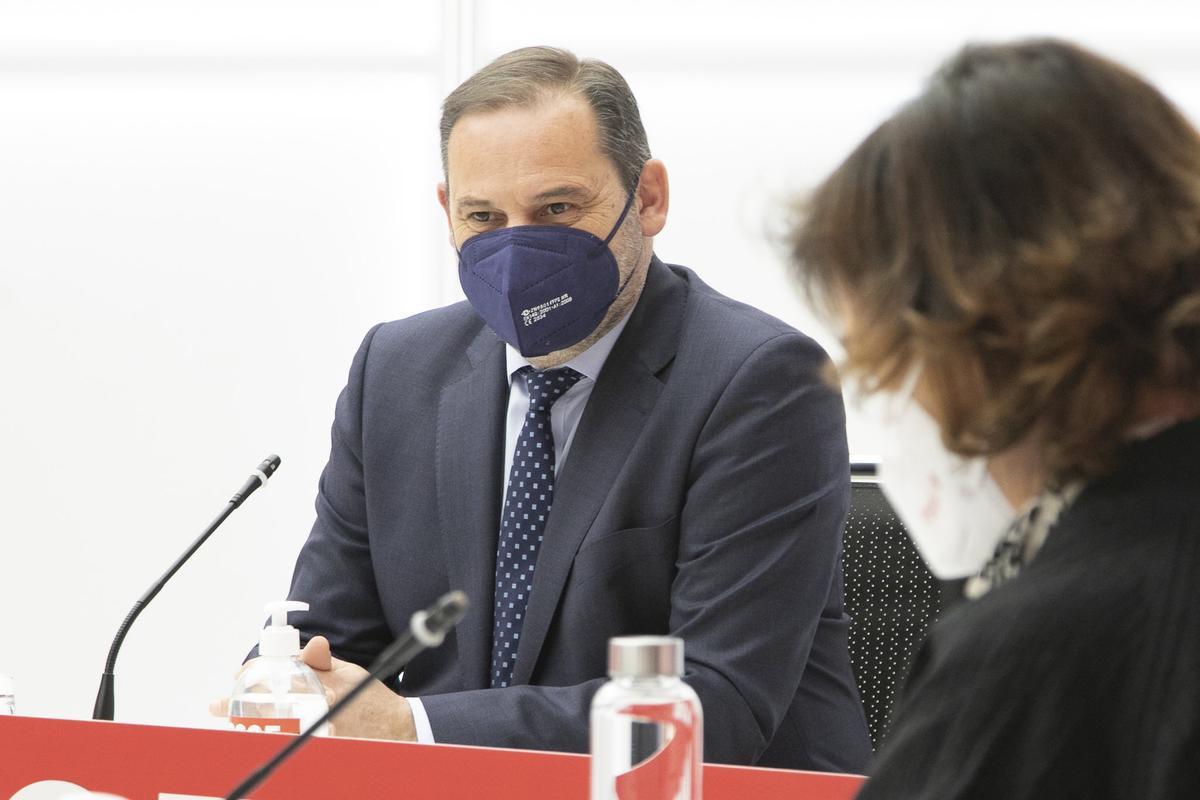 El PSOE avança el seu comitè federal per activar la sortida de Díaz si s'enroca