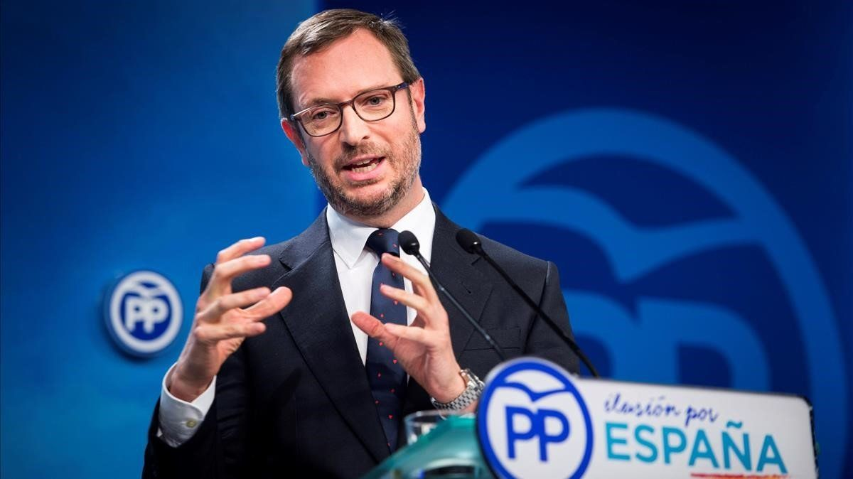Javier Maroto, enrueda de prensaen la sede de Génova.