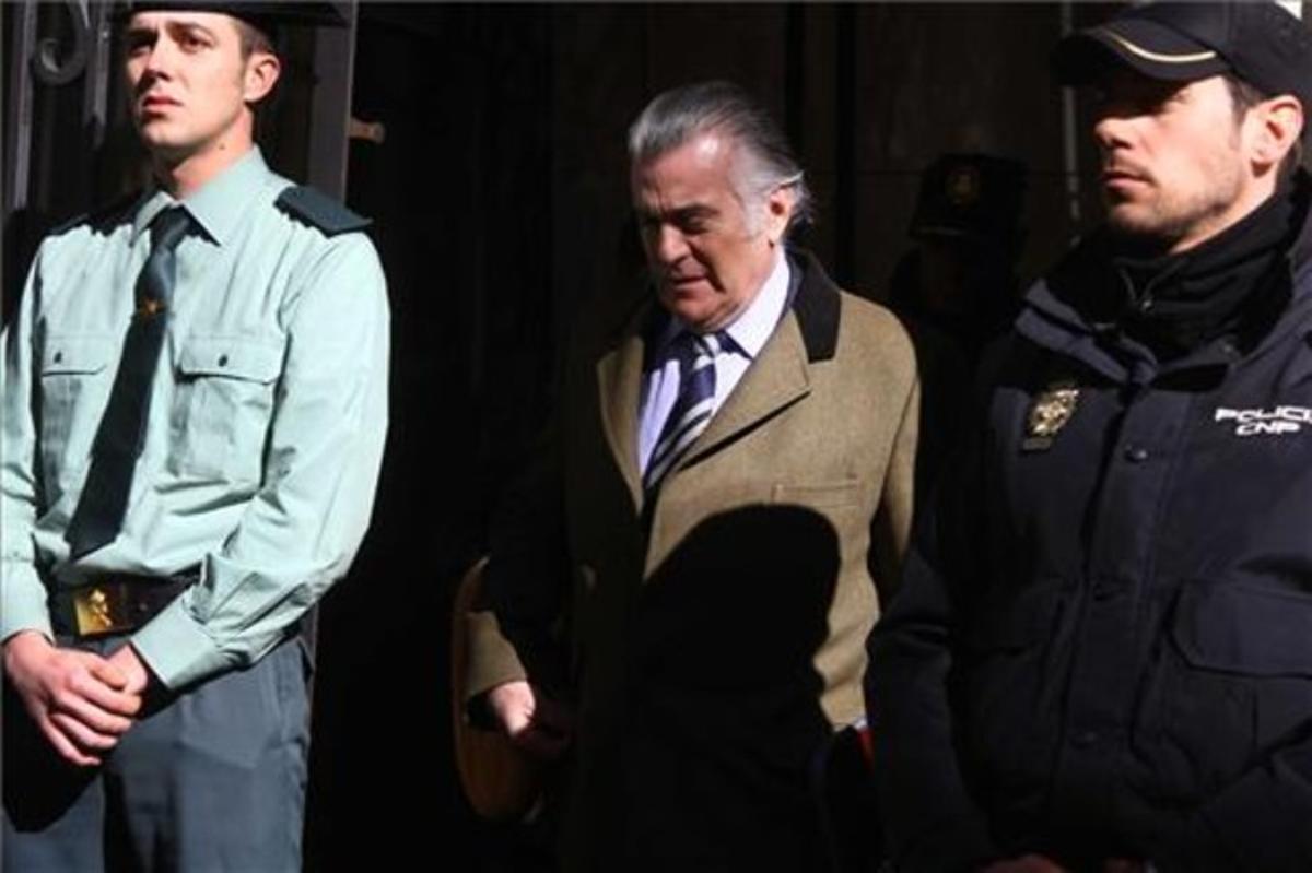 Bárcenas sale de la Fiscalía anticorrupción, el pasado 6 de febrero.