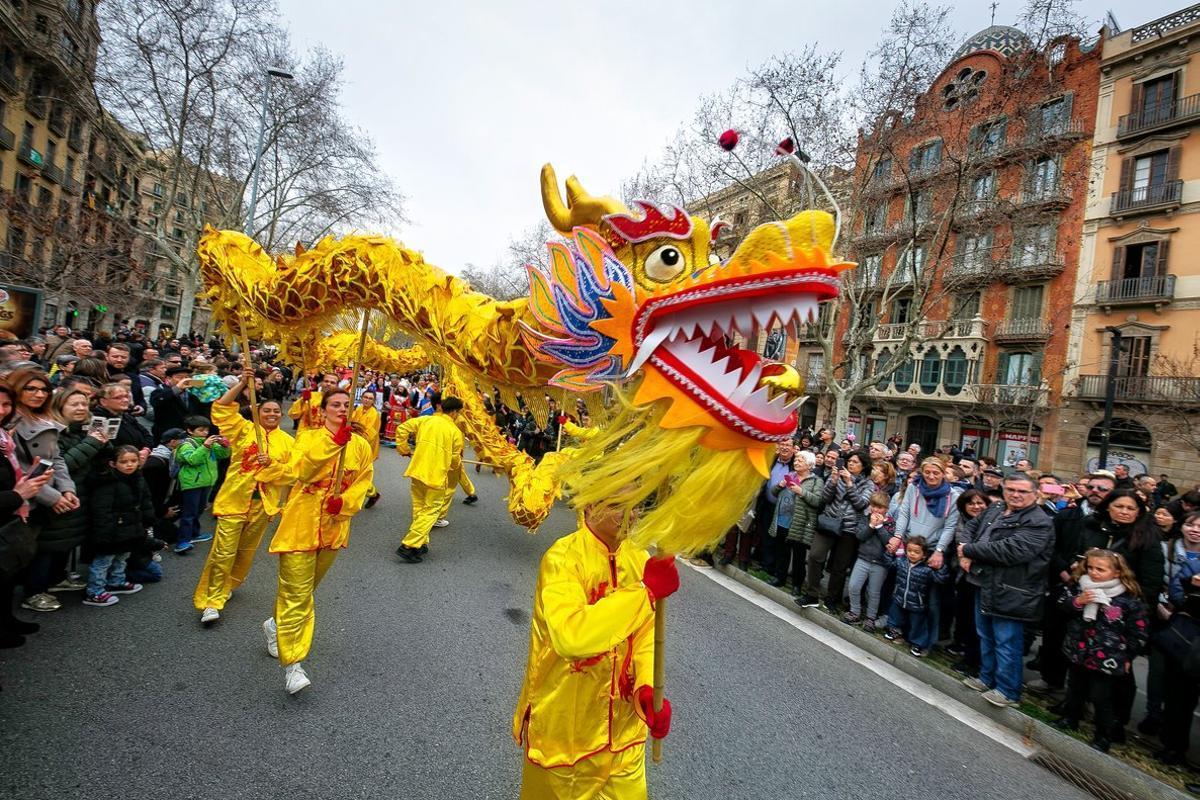 Los dragones chinos se pasearán esta mañana por la ciudad.