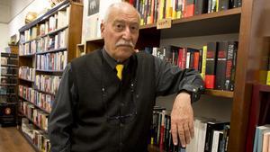 Andreu Martín, en la librería Obaga de Barcelona.