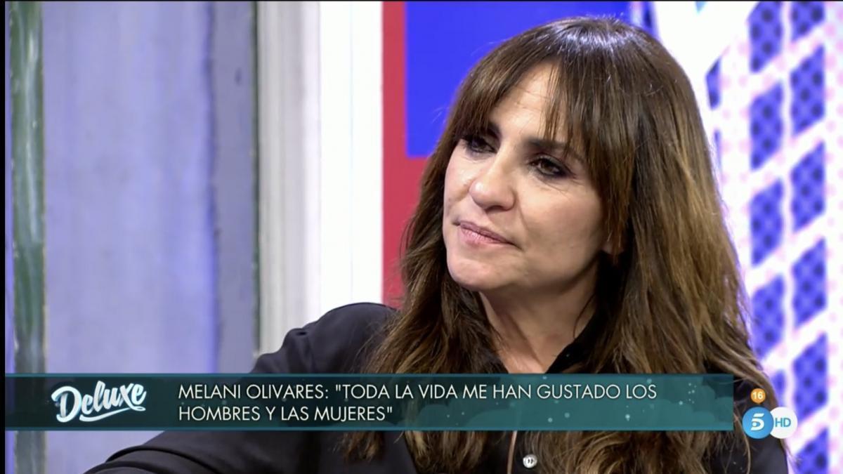 Melani Olivares habla sin tapujos de su bisexualidad en 'Sábado Deluxe'