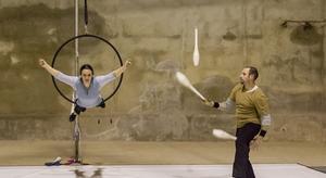 Arriba a Sabadell 'Aürt', un espectacle que promou el circ per al desenvolupament cultural i social