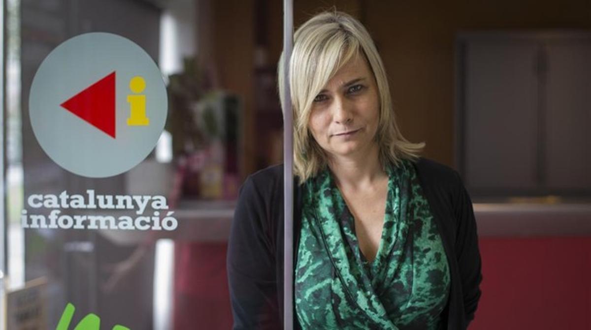 Mònica Terribas, en los estudios de Catalunya Ràdio.
