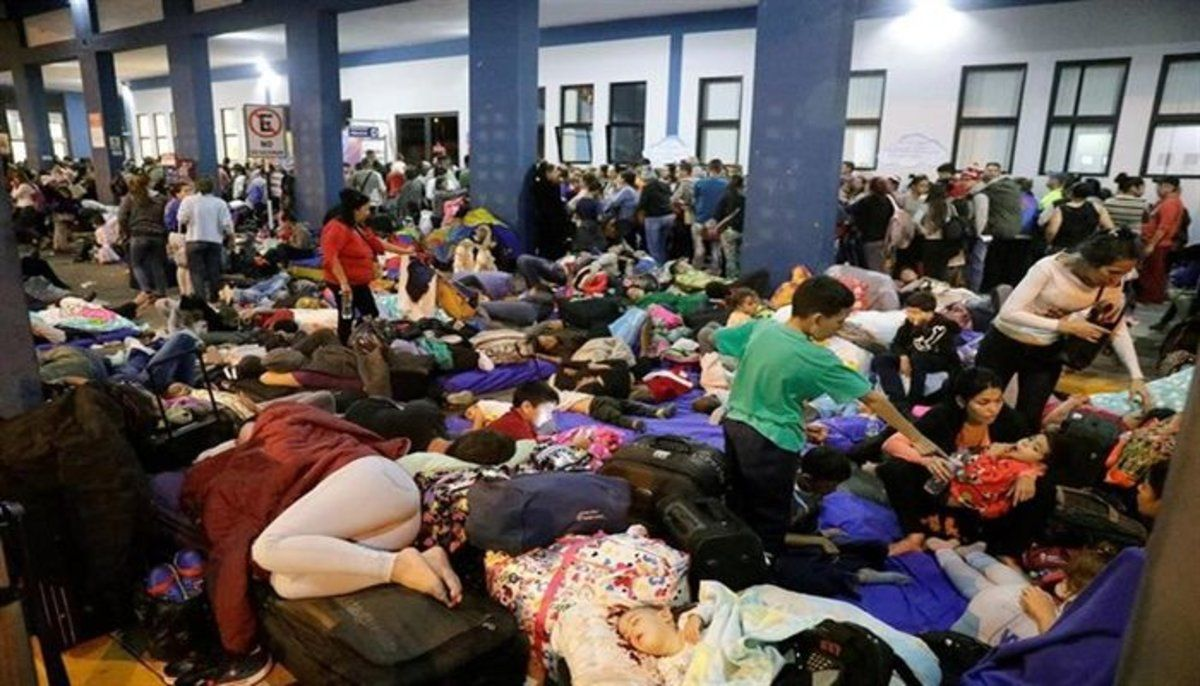 Inmigrantes venezolanos en refugios temporales.